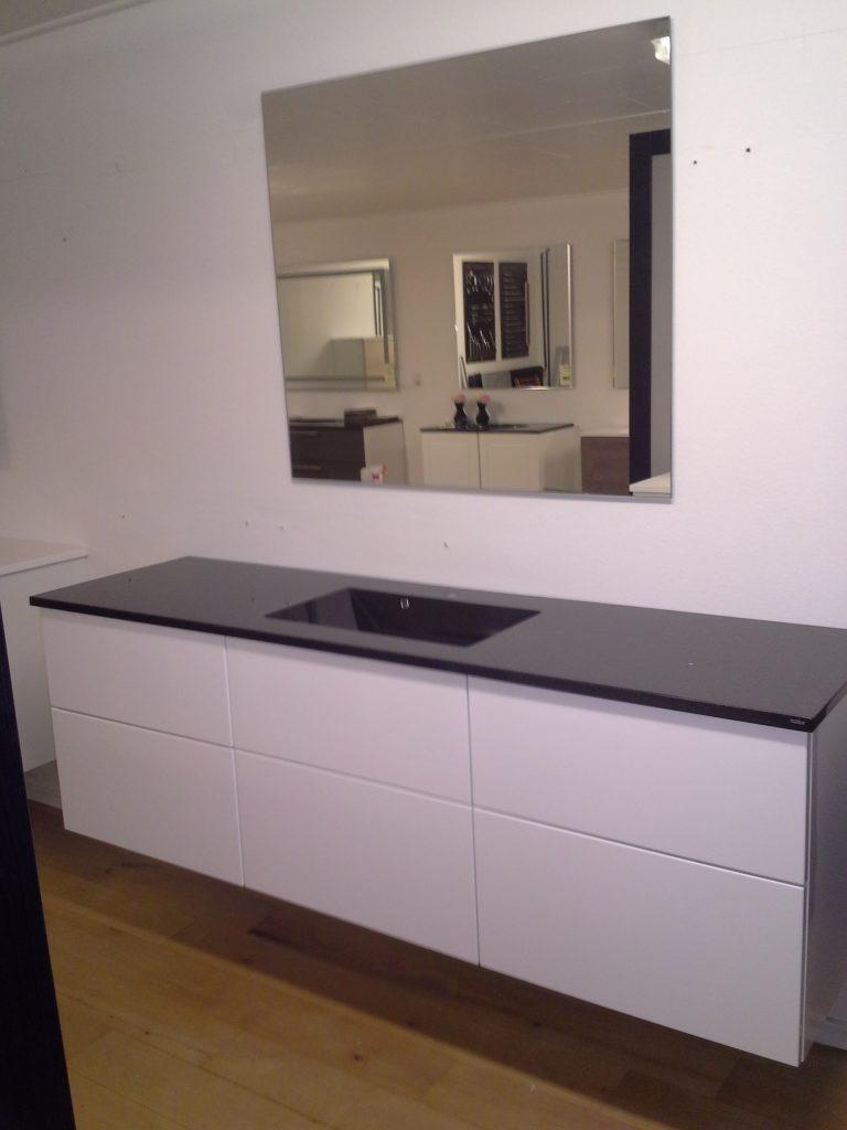 Ubrugte Super billigt badsæt med spejl og vaskebordplade - Jysk Køkken Outlet PT-14